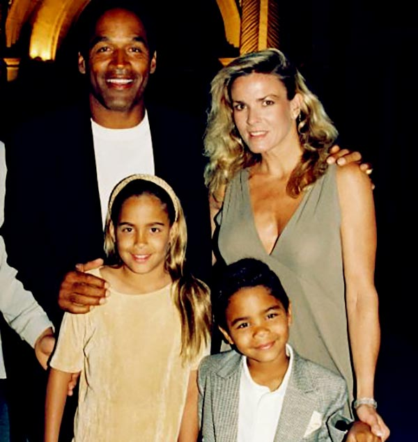 Image of Caption: O.J Simpson and his late second-wife, Nicole Brown,along with their two kids.