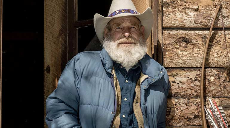 """Image of Tom Oar from """"Mountain Men"""" Age, Products, Death, Net Worth."""