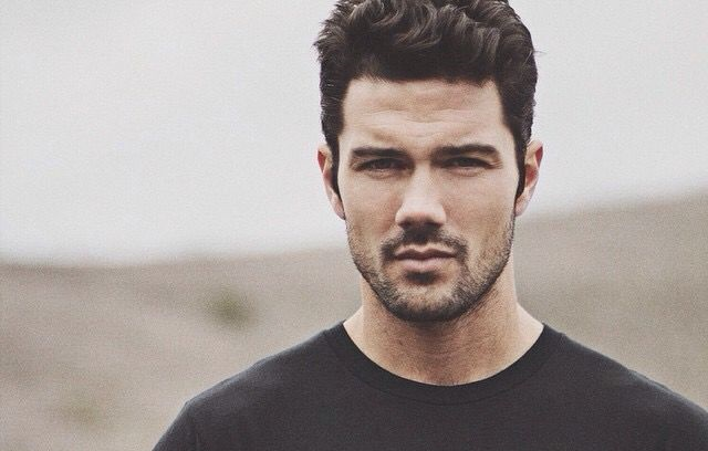 Image of TV actor, Ryan Paevey is currently single now