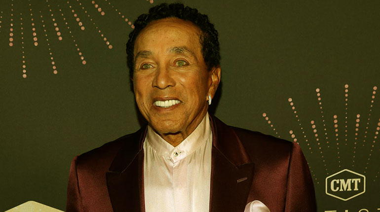 Image of Smokey Robinson Net Worth, Wife and Children.