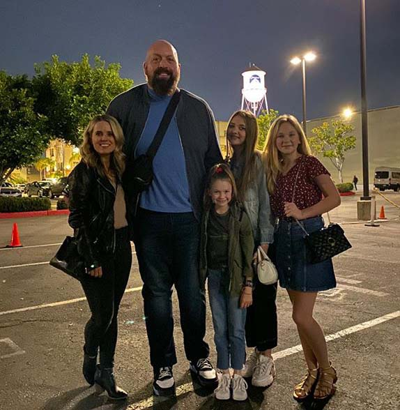Photo of Big Show's Cierra Wight and her family.