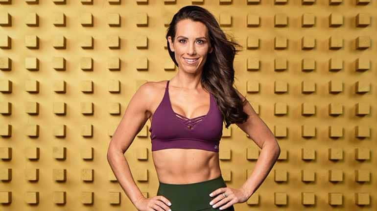 Photo of American fitness expert, Autumn Calabrese.