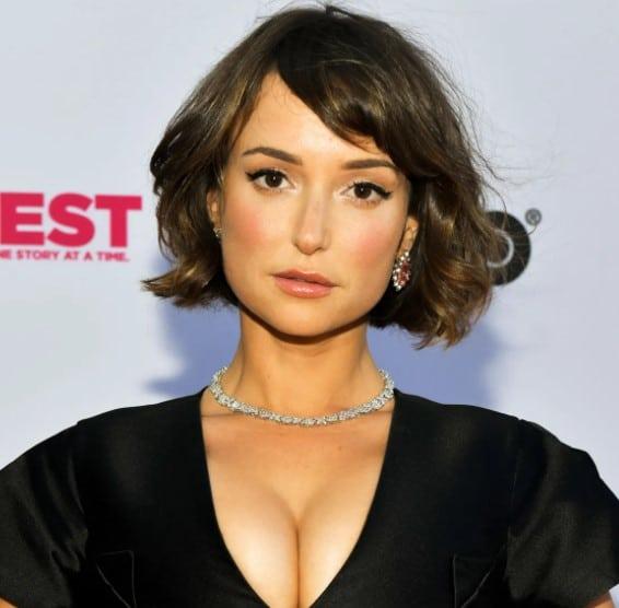 Image of Uzbekistan actress, Milana Vayntrub