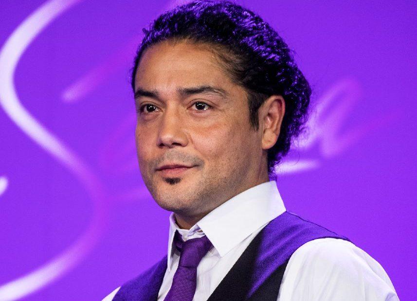 Image of renowned guitarist, Chris Perez