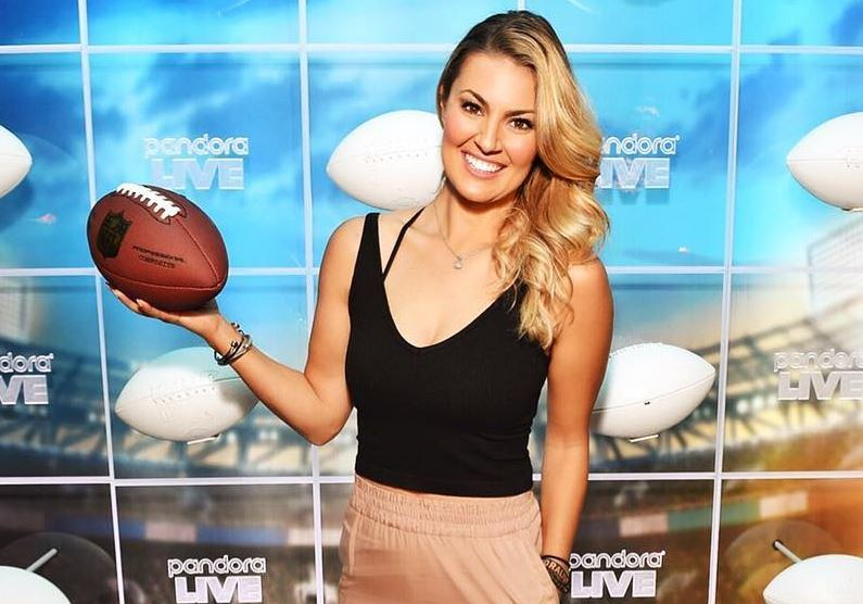 renowned sports news reporter, Amanda Balionis