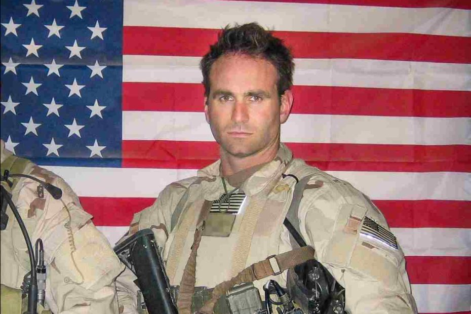 Image of a former US Navy SEAL and a published author, Jack Carr