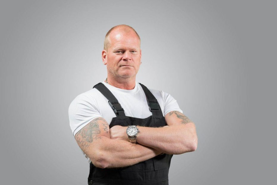 Canadian real estate expert, Mike Holmes