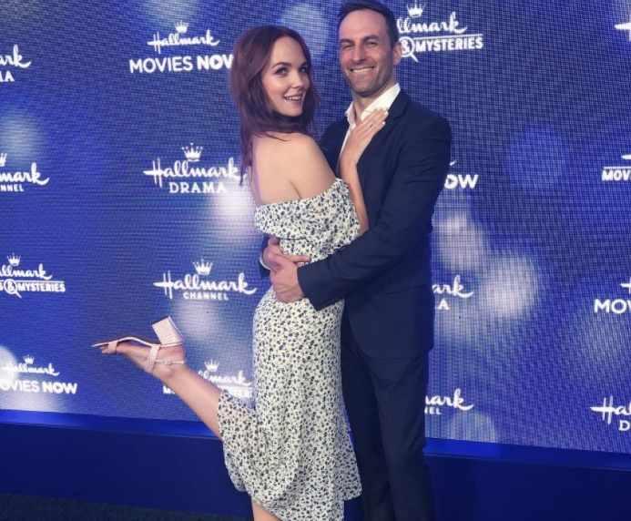 Morgan Kohan looking beautiful with her husband, Drew Nelson